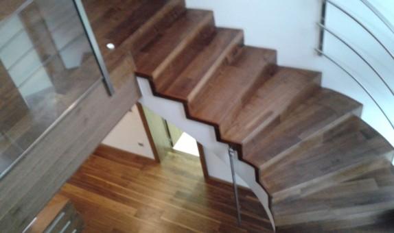 stopnišče oreh